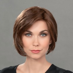 Aplique pelo sintético de fibra modelo Just de Ellen Wille para aumentar el volumen y la densidad del cabello.