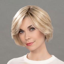 Aplique mezcla de cabello modelo Real de Ellen Wille para aumentar el volumen y la densidad del cabello.