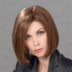 Aplique mezcla de cabello modelo Vario de Ellen Wille para aumentar el volumen y la densidad del cabello.