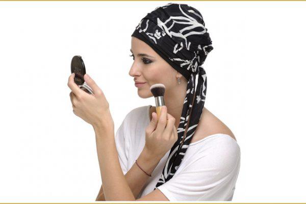 Tratamiento de la alopecia androgenética femenina con flutamida